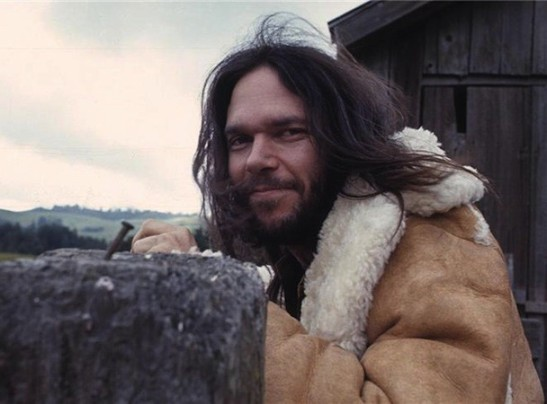 NeilYoung-608x450